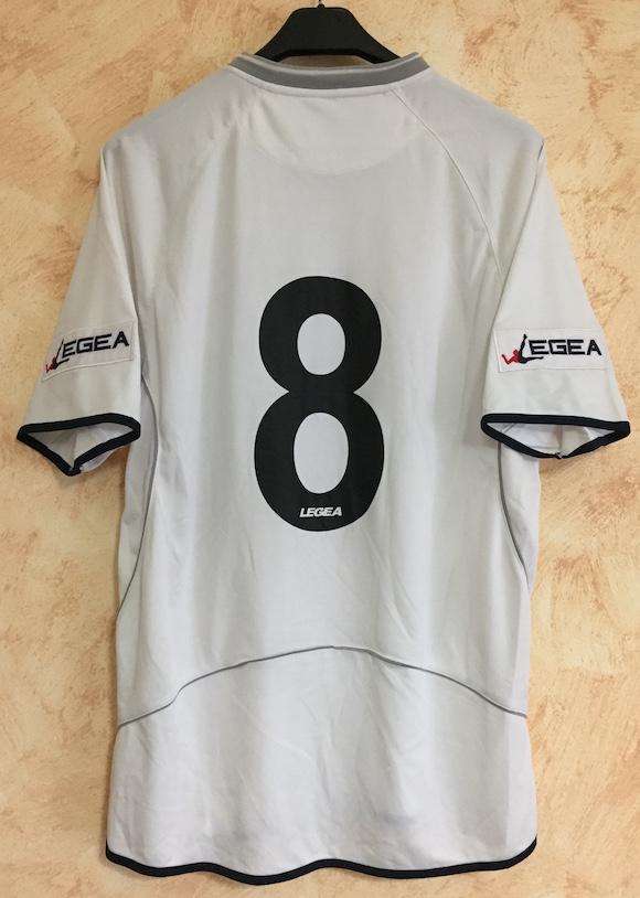569ef040609 Away bianca n. 8 Giulio Migliaccio - indossata durante il match di  pre-campionato vs. WSG Radenthein (18 Luglio 2010)